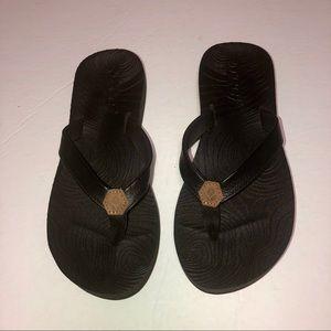 Girls reef black flip flops sandals size 3/4